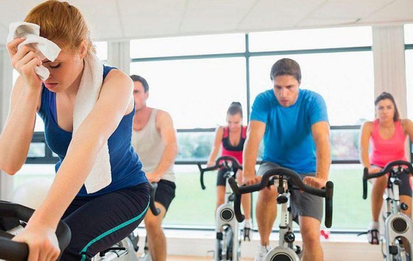 """Έτσι θα κάψεις θερμίδες δίχως να """"λιώσεις"""" στο γυμναστήριο"""