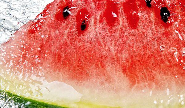 Τροφές που σας ενυδατώνουν σε συνθήκες ζέστης για να προπονηθείτε με ασφάλεια
