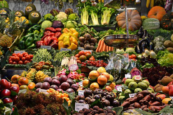Ποια φρούτα και λαχανικά κάνουν καλό και στην ψυχολογία μας;