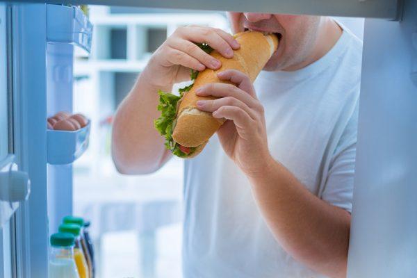 Πέντε λόγοι που νιώθετε συνέχεια πεινασμένοι