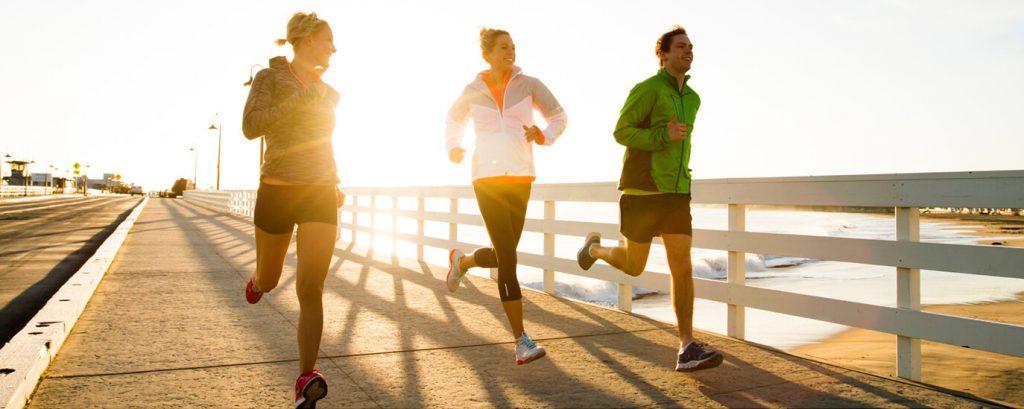 """Πώς το πρωινό τρέξιμο σας βοηθάει να """"παλέψετε"""" την ημέρα"""