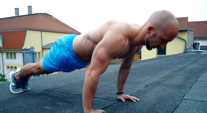 Αυτά είναι τα τέλεια push ups: Μπορείς να τα κάνεις;