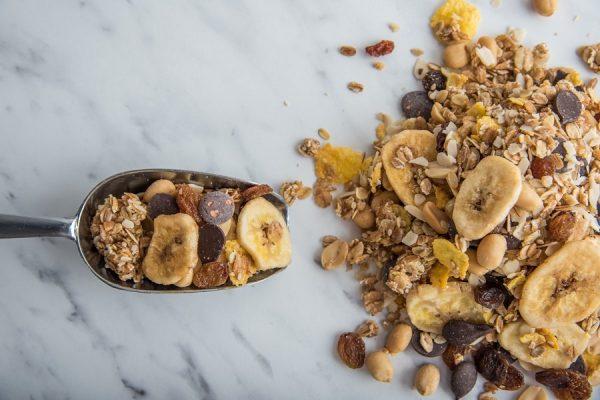 Τροφές που οι διατροφολόγοι προτείνουν να μην καταναλώνετε