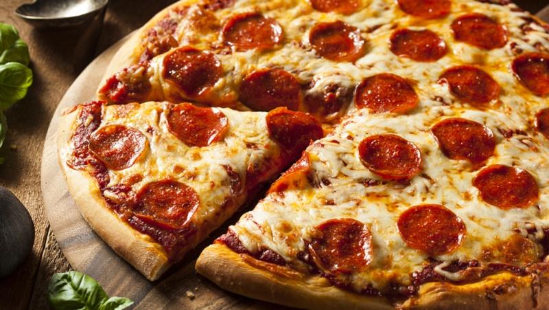 """Πόση άσκηση χρειάζεται για να """"κάψετε"""" μια πίτσα;"""