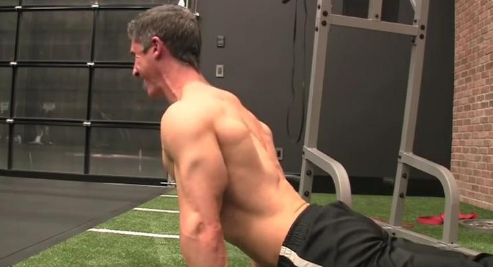 Οι 8 καλύτερες ασκήσεις ενδυνάμωσης μόνο με το βάρος του σώματος