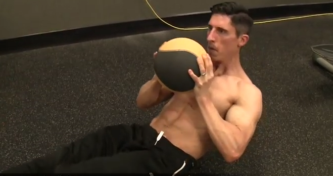Πέντε ασκήσεις για κοιλιακούς με μπάλα που γίνονται παντού