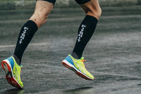 Δεν πρέπει να φοράμε ποτέ τις ίδιες κάλτσες για δεύτερη μερα