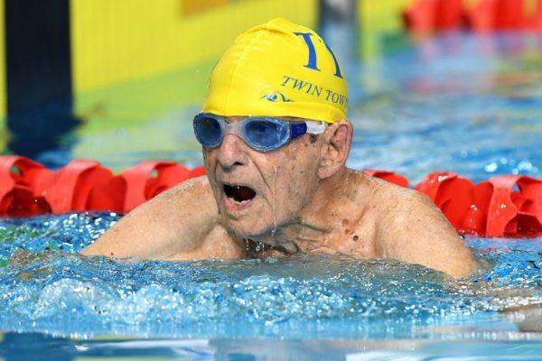 Έσπασε το ρεκόρ στα 50 μ. ελεύθερο ο 99χρονος Τζορτζ Κορόνες!