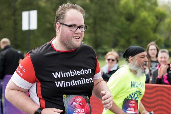 Η ιστορία του Carl Dudley που έχασε 45 κιλά και τερμάτισε σε Μαραθώνιο