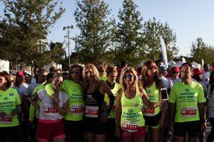 H Mαρία Πολύζου με την ομάδα της στο No Finish Line της Αθήνας