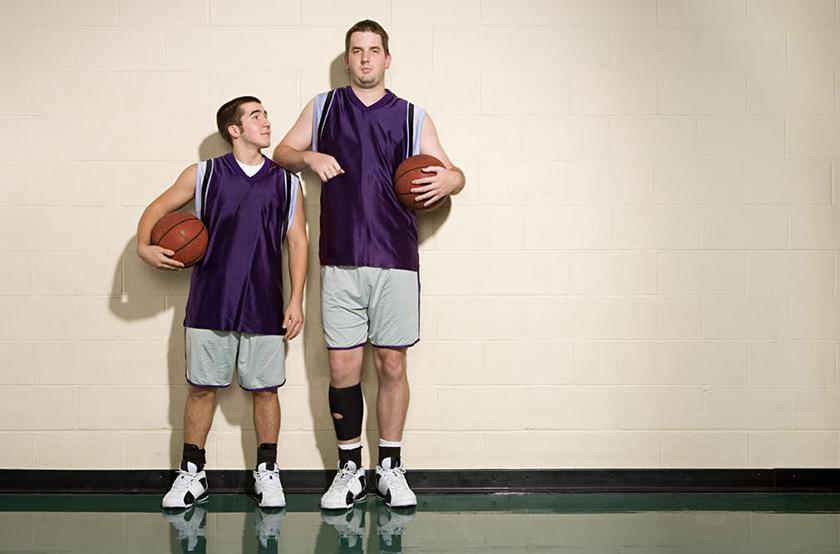 Πώς το ύψος μας καθορίζει τον τρόπο που χάνουμε βάρος