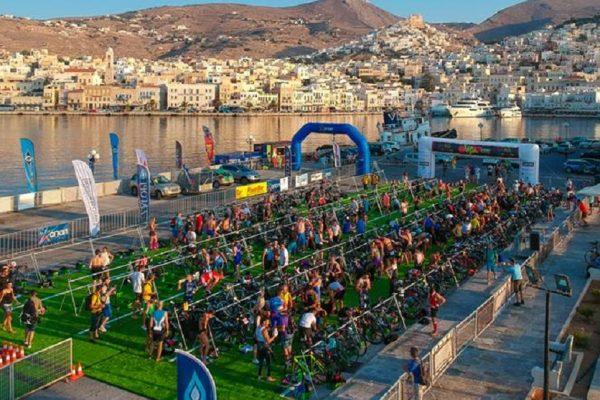 Λάμψη αστέρων και... επικές μάχες στο 3rd Trimore Syros Triathlon!