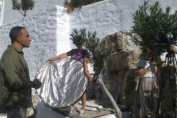 Ο Νίκος Αλιάγας και το TF1 στην Αμοργό με αρωγό το Authentic Big Blue