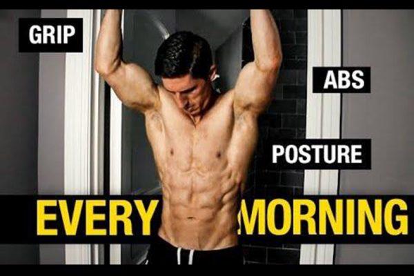"""Αυτά τα τρία πράγματα πρέπει να κάνεις το πρωί για να """"ξυπνάς"""" το σώμα σου"""