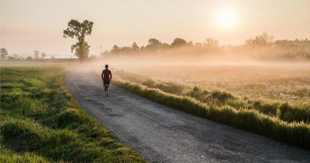 4 πράγματα που πρέπει να ξέρεις για το πρωινό τρέξιμο