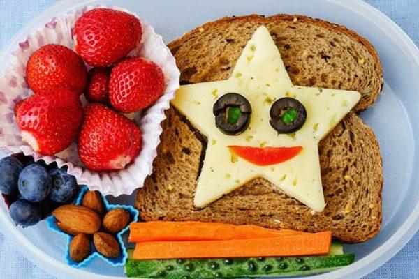 Σπιτικά και λαχταριστά σνακ για τα παιδιά στο σχολείο