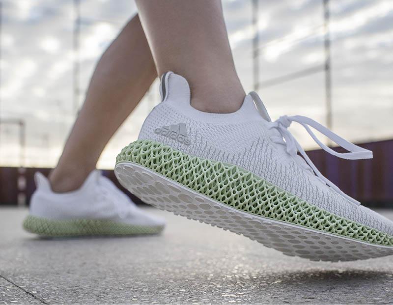 Η adidas 4D επαναπροσδιορίζει το τρέξιμο με το ολοκαίνουριο ALPHAEDGE 4D