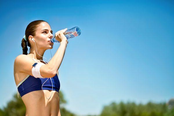Ενδείξεις που λένε πως πρέπει να πίνετε περισσότερο νερό