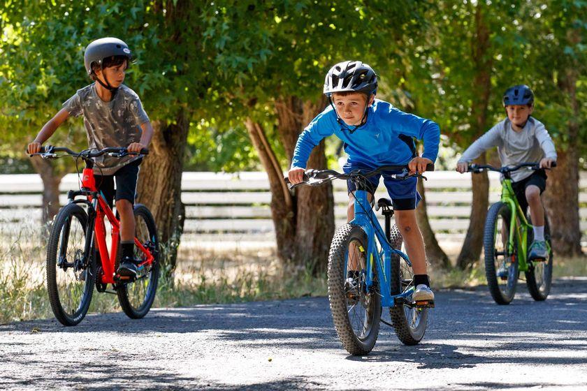 Τα οφέλη που έχουν τα παιδιά που ασχολούνται με την ποδηλασία
