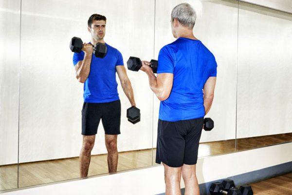 Μάθε την «fitness ηλικία» σου με έξι απλές ασκήσεις