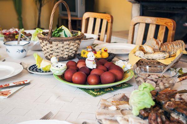 """Το """"πρόβλημα"""" με τη διατροφή μας το Πάσχα δεν είναι το αρνί..."""