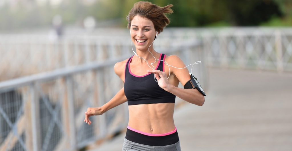 Πόσα λεφτά πρέπει να βγάζεις για να είσαι το ίδιο χαρούμενος με κάποιον που τρέχει;