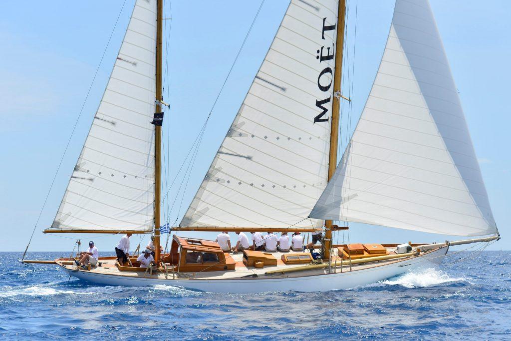 Μοναδικές εμπειρίες για 9η χρονιά στο Spetses Classic Yacht Regatta