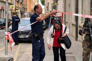 Η αστυνομία ψάχνει ποδηλάτη βομβιστή για την έκρηξη στη Λυών!