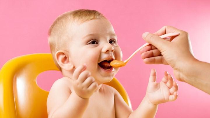 ΠΟΥ: Υπερβολική ζάχαρη περιέχουν οι βρεφικές τροφές