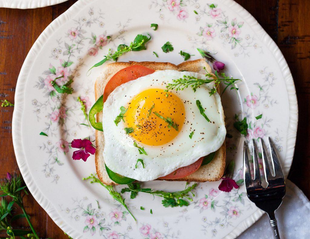 Τρία πρωτεϊνικά γεύματα για να ξεκινήσετε ιδανικά την ημέρα