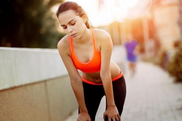 Τρέξιμο και φούσκωμα: Γιατί συμβαίνει και πως θα απαλλαγείς