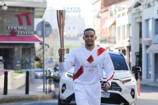 H EOE διέκοψε την Ολυμπιακή Λαμπαδηδρομία για την προάσπιση της δημόσιας υγείας